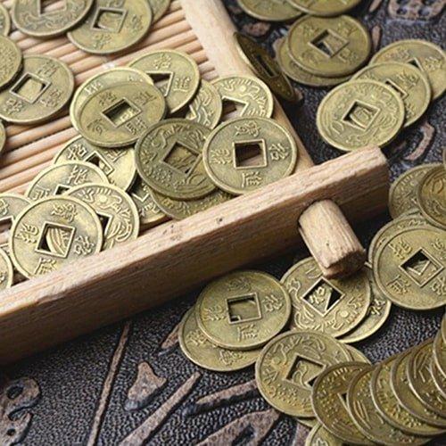 Что подарить нумизмату - Набор монет на удачу